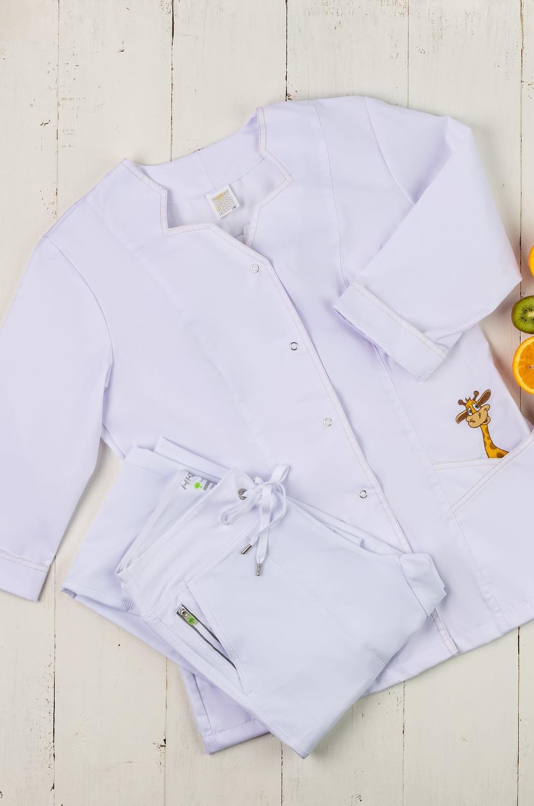 Блузка медицинская женская 323 (белый/принт, сатори)